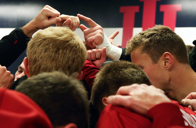 Pageantry_huddle