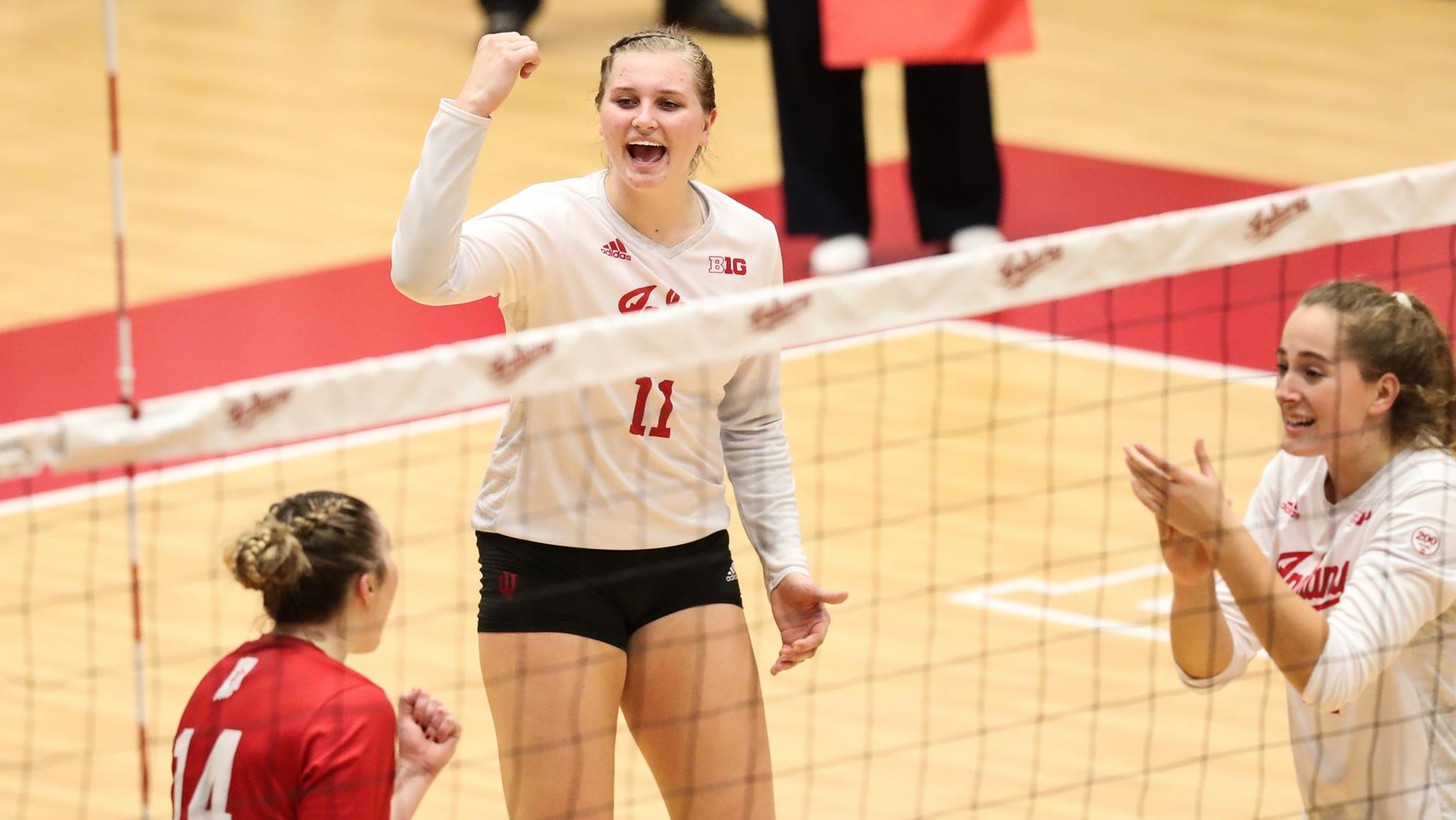 wisconsin badger volleyball roster